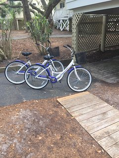 A recent great addition to the cottage and island experience.  Two adult bikes for touring this peaceful island and...