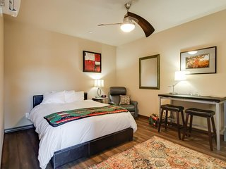 Cozy, dog-friendly suite w/patio & outdoor firepit - on-site golf, near the lake