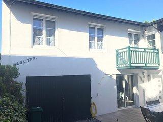 Maison familiale au centre de St Jean de Luz, Pays Basque, plage 10 min à pied