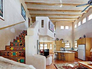 Southside Modern Adobe 3BR + Loft w/ Fireplace, Patio & Putting Green