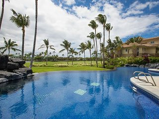 Golf Course View, Infinity Pool & Spa 2BR at Fairway Villas in Waikoloa Beach