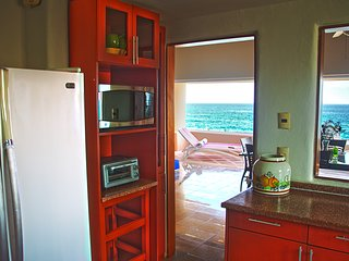 Costa Brava B4. Ocean view balcony, WiFi, Netflix