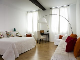 PEACEFUL APARTMENT IN SANT'AMBROGIO