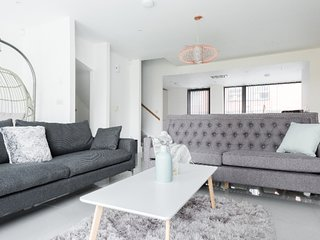 Light flooded, stunning modern home in Ancoats