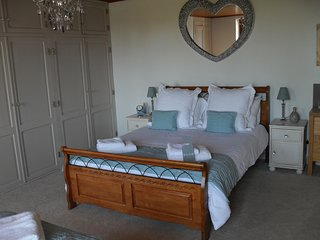 LE GRAND CHEMIN Bed and Breakfast -The Merlot Room