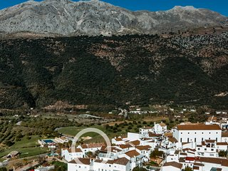 La terraza más guapa del Valle del Guadiaro: Casa Martijín