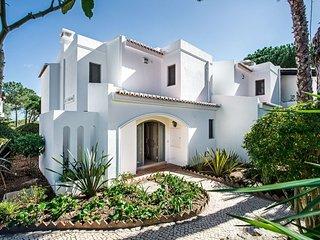 1 bedroom Apartment in Quinta do Lago, Faro, Portugal : ref 5607804