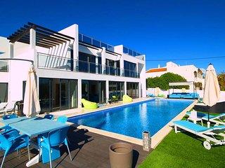 4 bedroom Villa in Canada do Parragil, Faro, Portugal : ref 5607893