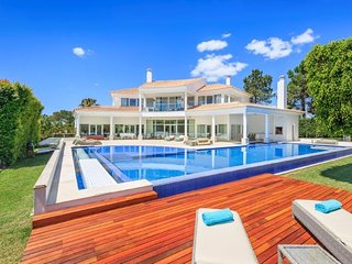 4 bedroom Villa in Quinta do Lago, Faro, Portugal : ref 5607959