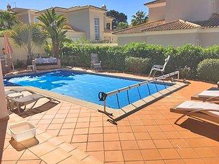 3 bedroom Villa in Vale do Garrao, Faro, Portugal : ref 5607865