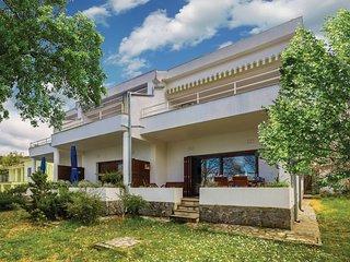 2 bedroom Apartment in Njivice, Primorsko-Goranska Zupanija, Croatia : ref 56094