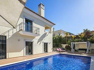 6 bedroom Villa in Ferrarias, Faro, Portugal : ref 5607919