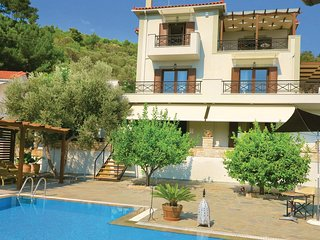 4 bedroom Villa in Kokkari, North Aegean, Greece : ref 5535902