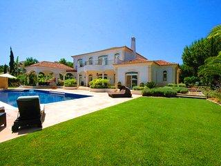 4 bedroom Villa in Quinta do Lago, Faro, Portugal : ref 5607956