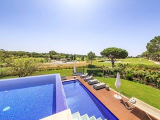4 bedroom Villa in Quinta do Lago, Faro, Portugal : ref 5607957