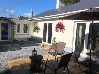 Galway Cottage -2 nts min 597 and 3 nts 747 and 4 nts 897 then add 125 p/n