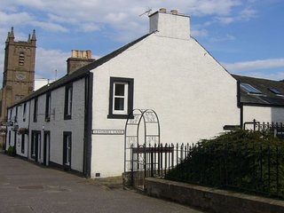 The Armoury, Auchterarder, large self catering property sleeping 4/8