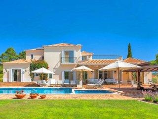 4 bedroom Villa in Quinta do Lago, Faro, Portugal : ref 5607885