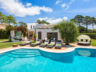 Quinta do Lago Villa Sleeps 6 with Pool and Air Con - 5607850