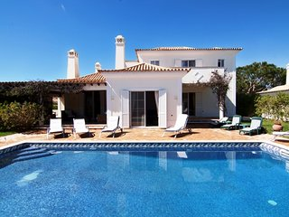 4 bedroom Villa in Vale do Lobo, Faro, Portugal : ref 5607905