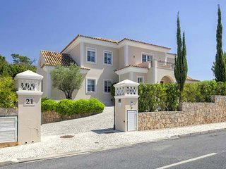 4 bedroom Villa in Quinta do Lago, Faro, Portugal : ref 5607945