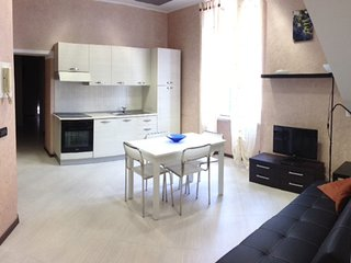 Holiday flat 100 metres from beach/sea centre of Loano
