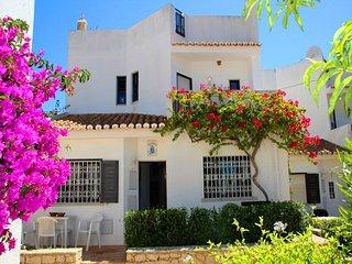 3 bedroom Villa in Vale do Lobo, Faro, Portugal : ref 5607918
