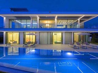 4 bedroom Villa in Vale do Lobo, Faro, Portugal : ref 5607962