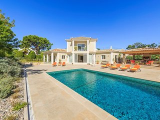 4 bedroom Villa in Quinta do Lago, Faro, Portugal : ref 5607969