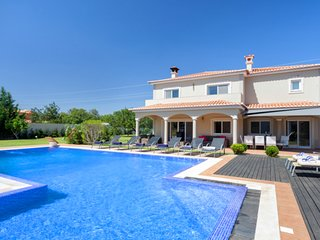 5 bedroom Villa in Vilamoura, Faro, Portugal : ref 5607970