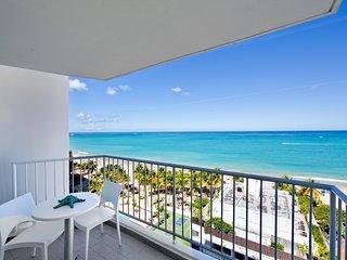 Breathtaking View. **New** A Beachfront Gem
