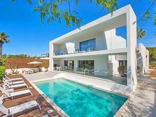4 bedroom Villa in Quinta do Lago, Faro, Portugal : ref 5607947
