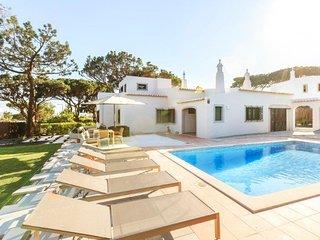 4 bedroom Villa in Vale do Lobo, Faro, Portugal : ref 5607950