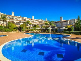 4 bedroom Villa in Almancil, Faro, Portugal : ref 5607867