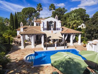 4 bedroom Villa in Quinta do Lago, Faro, Portugal : ref 5607946