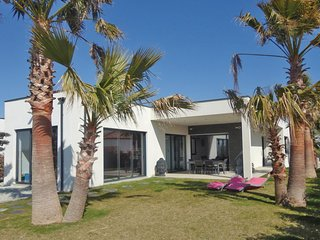 4 bedroom Villa in Montblanc, Occitania, France : ref 5609487