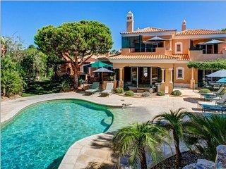6 bedroom Villa in Vale do Lobo, Faro, Portugal : ref 5607916