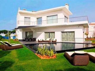 6 bedroom Villa in Vilamoura, Faro, Portugal : ref 5607960