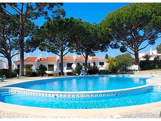 3 bedroom Villa in Quinta do Lago, Faro, Portugal : ref 5610315