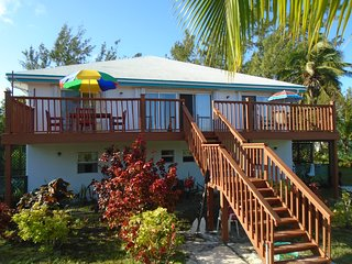 BEACH APARTMENT 3 BED/3 BATH Very Spacious sleeps 6+ COME & ENJOY THE TURTLES