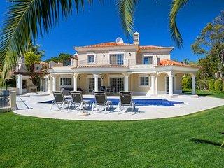 5 bedroom Villa in Quinta do Lago, Faro, Portugal : ref 5607975