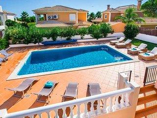 Vale do Garrao Villa Sleeps 8 with Pool Air Con and WiFi - 5607877