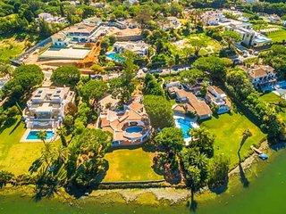 4 bedroom Villa in Quinta do Lago, Faro, Portugal : ref 5607886