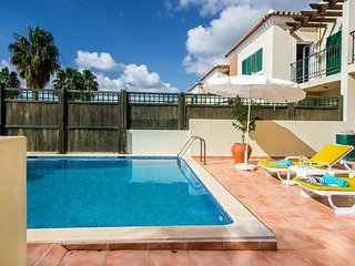 3 bedroom Villa in Almancil, Faro, Portugal : ref 5607858