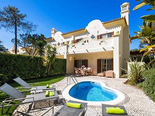 3 bedroom Villa in Quinta do Lago, Faro, Portugal : ref 5607837