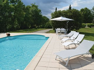 2 bedroom Villa in Castillon-la-Bataille, Nouvelle-Aquitaine, France : ref 55219