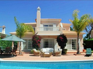 4 bedroom Villa in Vale do Garrao, Faro, Portugal : ref 5607870