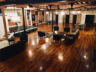 Beautiful Loft and Stage Area