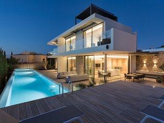 5 bedroom Villa in Vale do Lobo, Faro, Portugal : ref 5607998