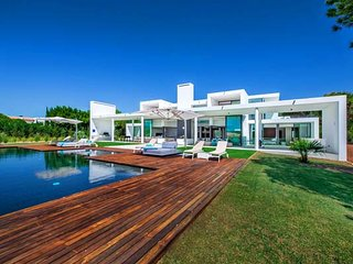 6 bedroom Villa in Benfarras, Faro, Portugal : ref 5607986